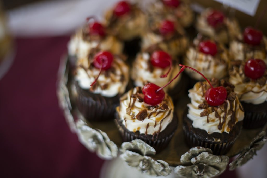 stay grounded cupcakes