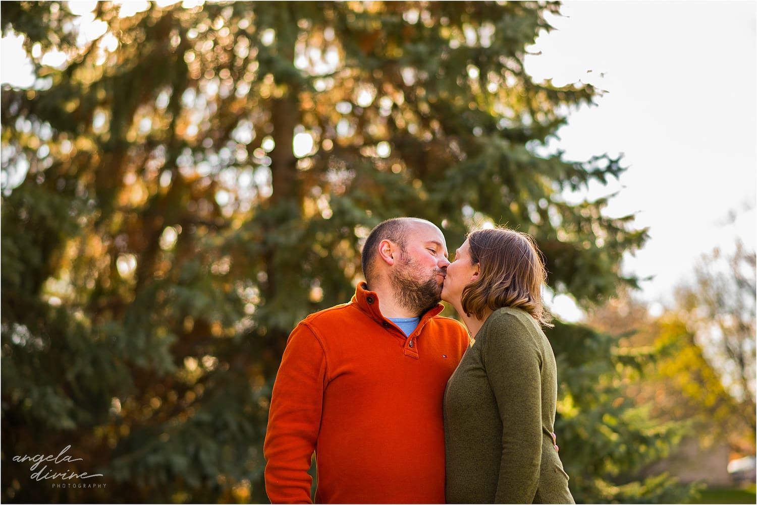Apple Valley Family Session kiss