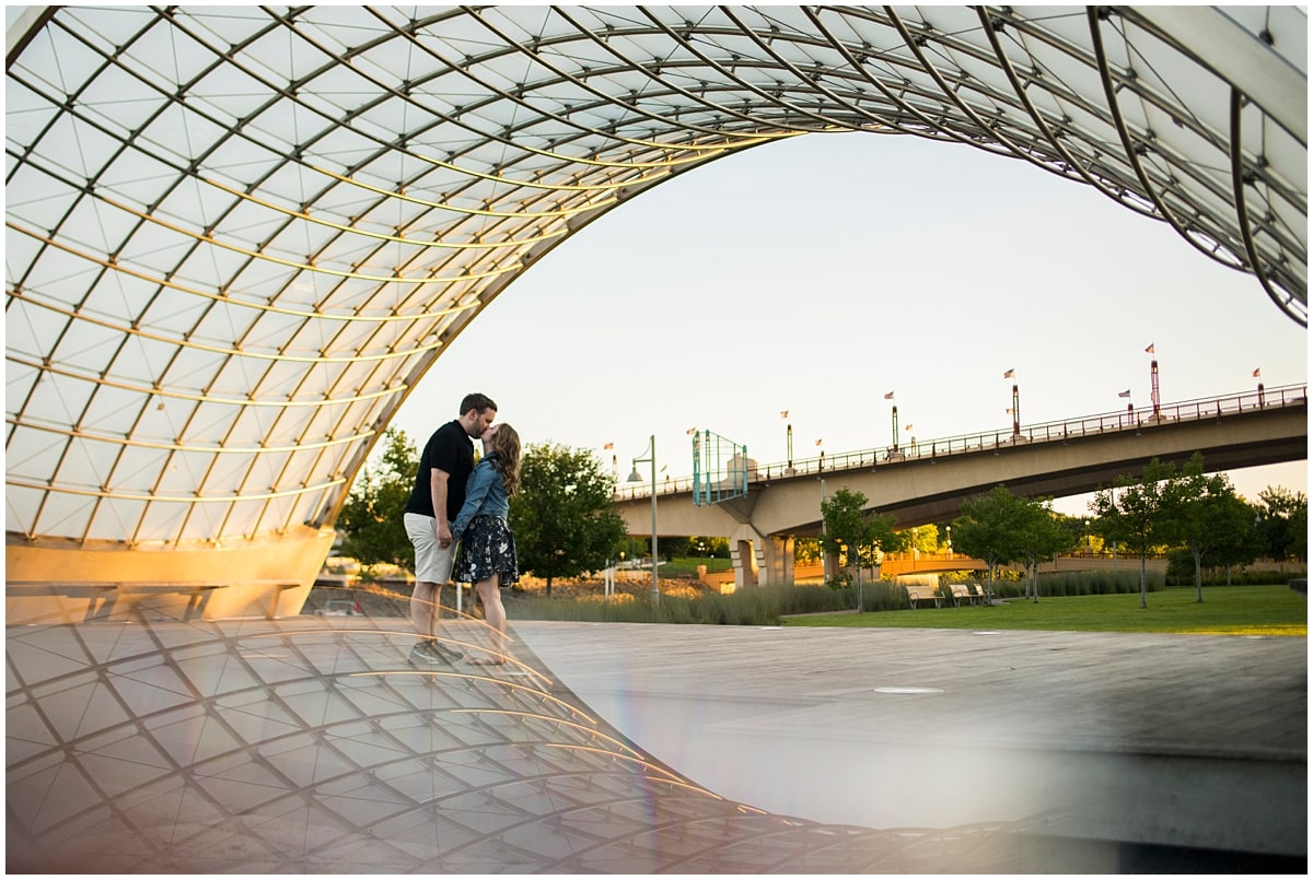 engagement session in Raspberry Park