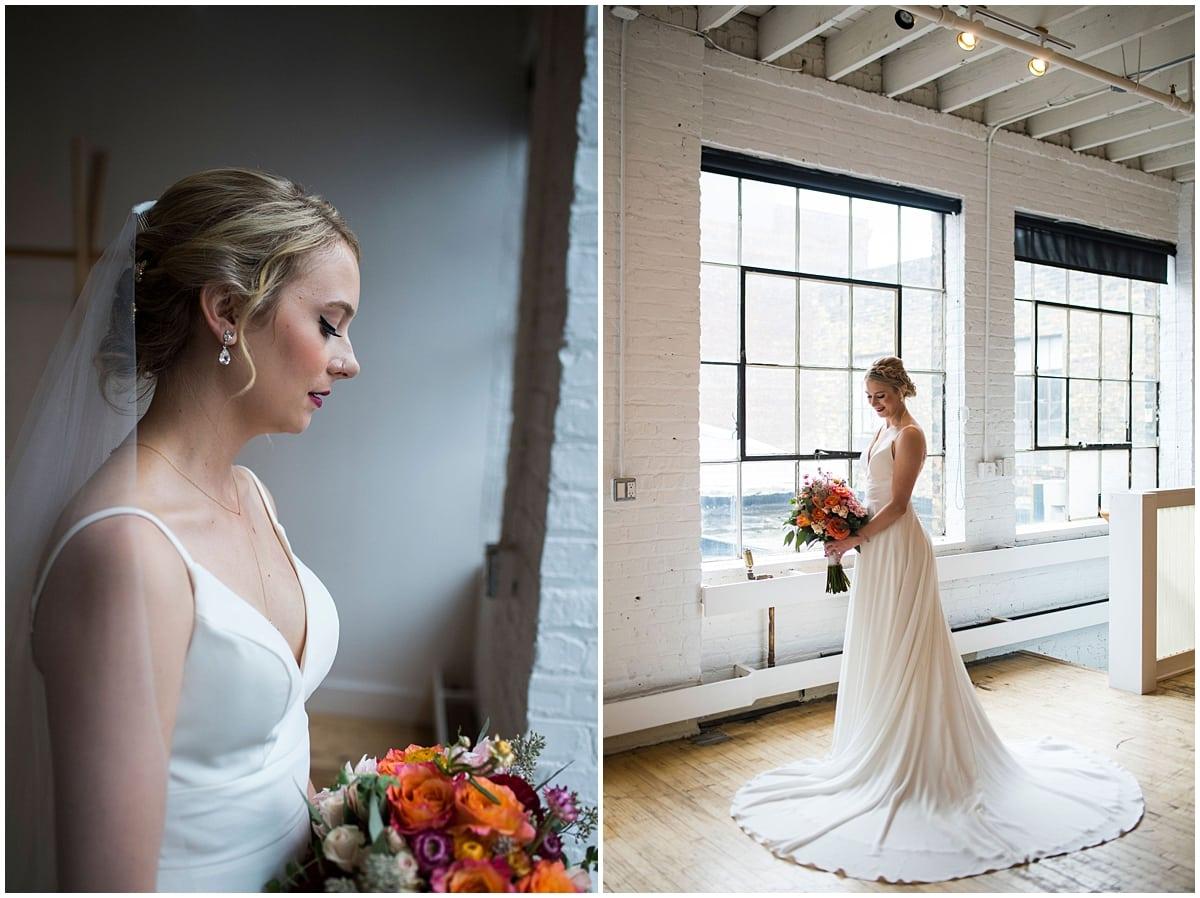 Neu Neu Wedding bride with bouquet